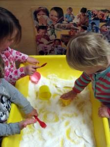Kids at sensory table